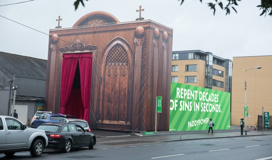 Paddy Power Pope visit 1