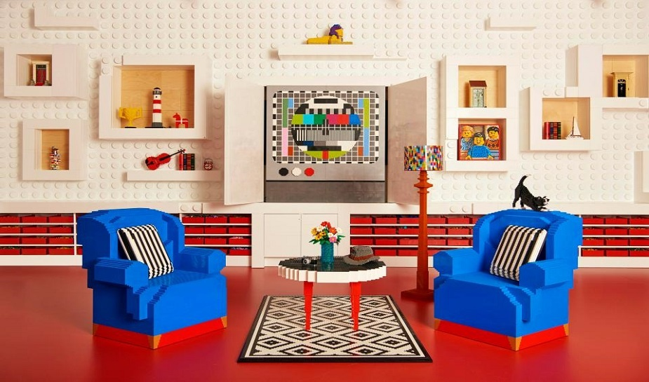 Air BnB LEGO House 1.jpg