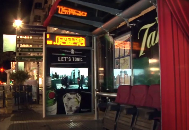 Tanqueray_Cinema_Bus_Shelter_2