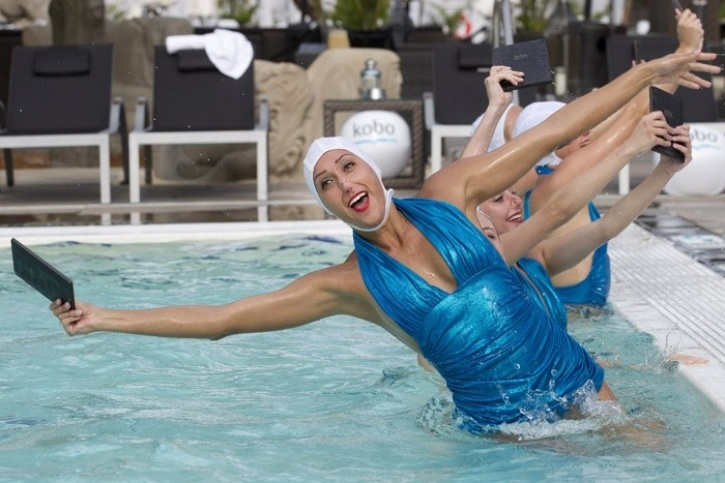 brand_experience_experiential_marketing_kobo_s_pool_party_2__2_