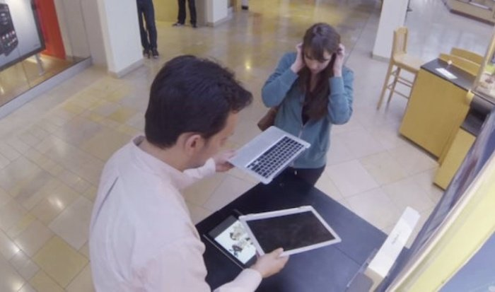 lenovo_snaps_macbooks_brand_experience_experiential_marketing_1