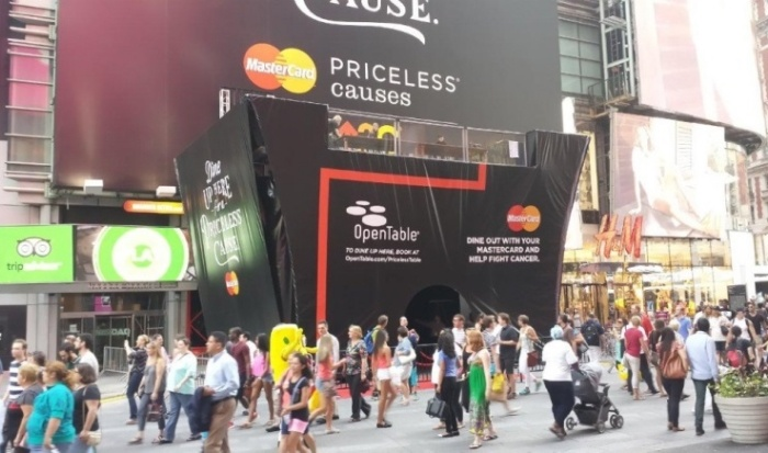mastercard_priceless_table_times_square