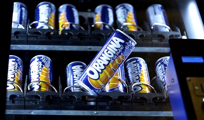 Orangina's brand experience gets people shaking